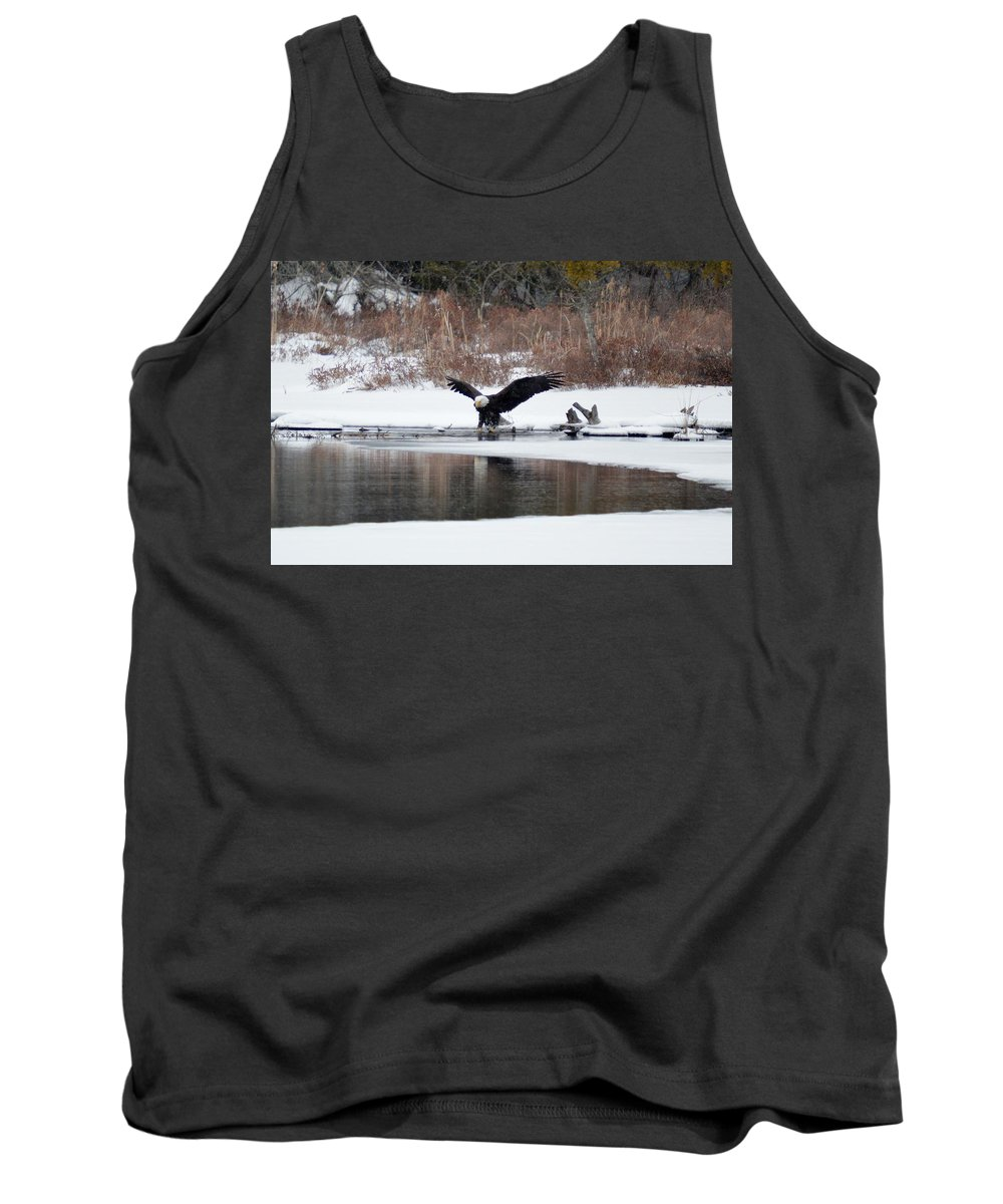 Bald Eagle Tank Top featuring the photograph Splash 4 by Thomas Phillips