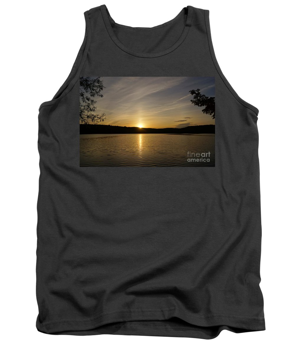 Sunsets Tank Top featuring the photograph The End Of A Great Day by Jeffery L Bowers