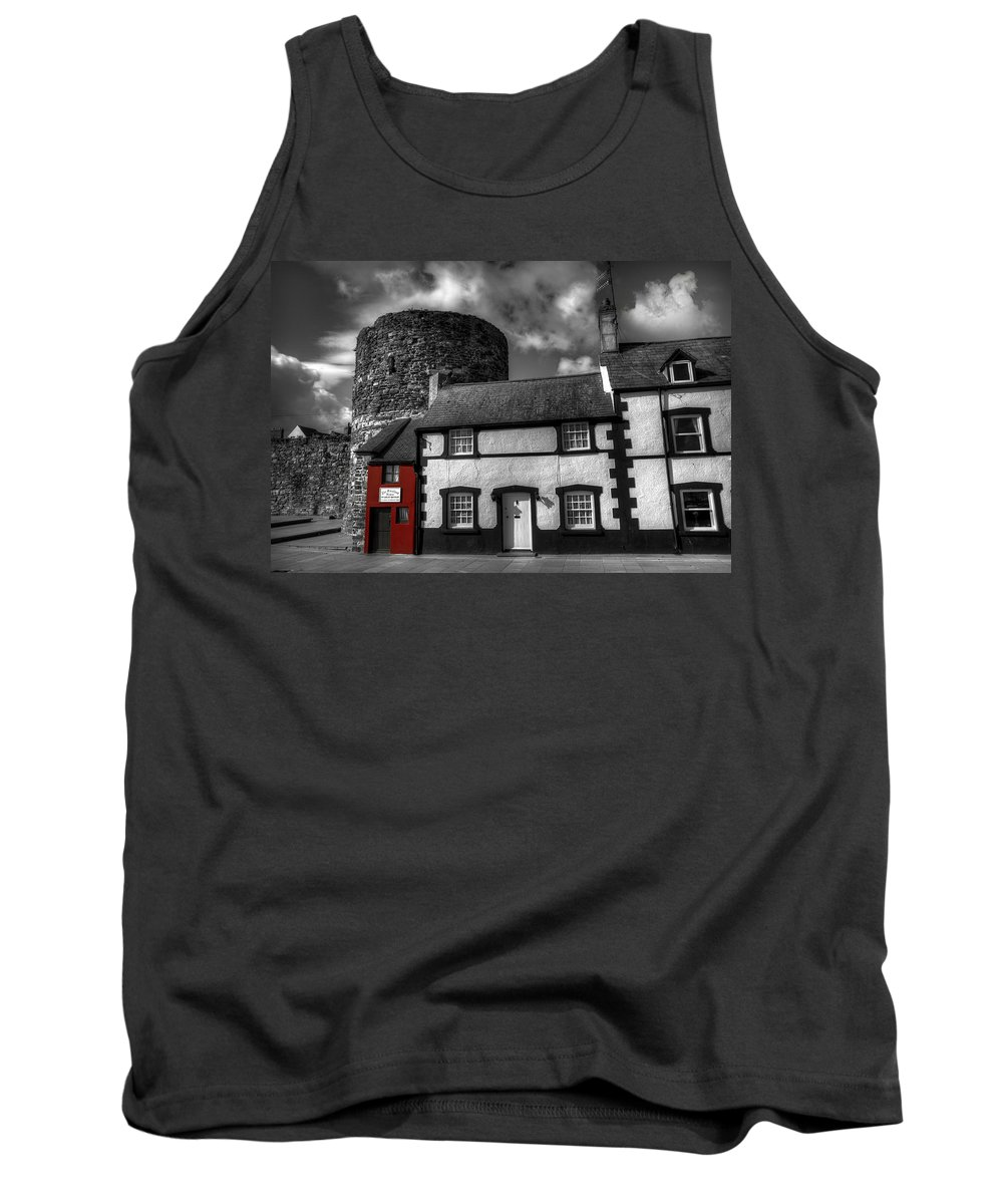 House Tank Top featuring the photograph The Smallest House In Great Britain by Mal Bray