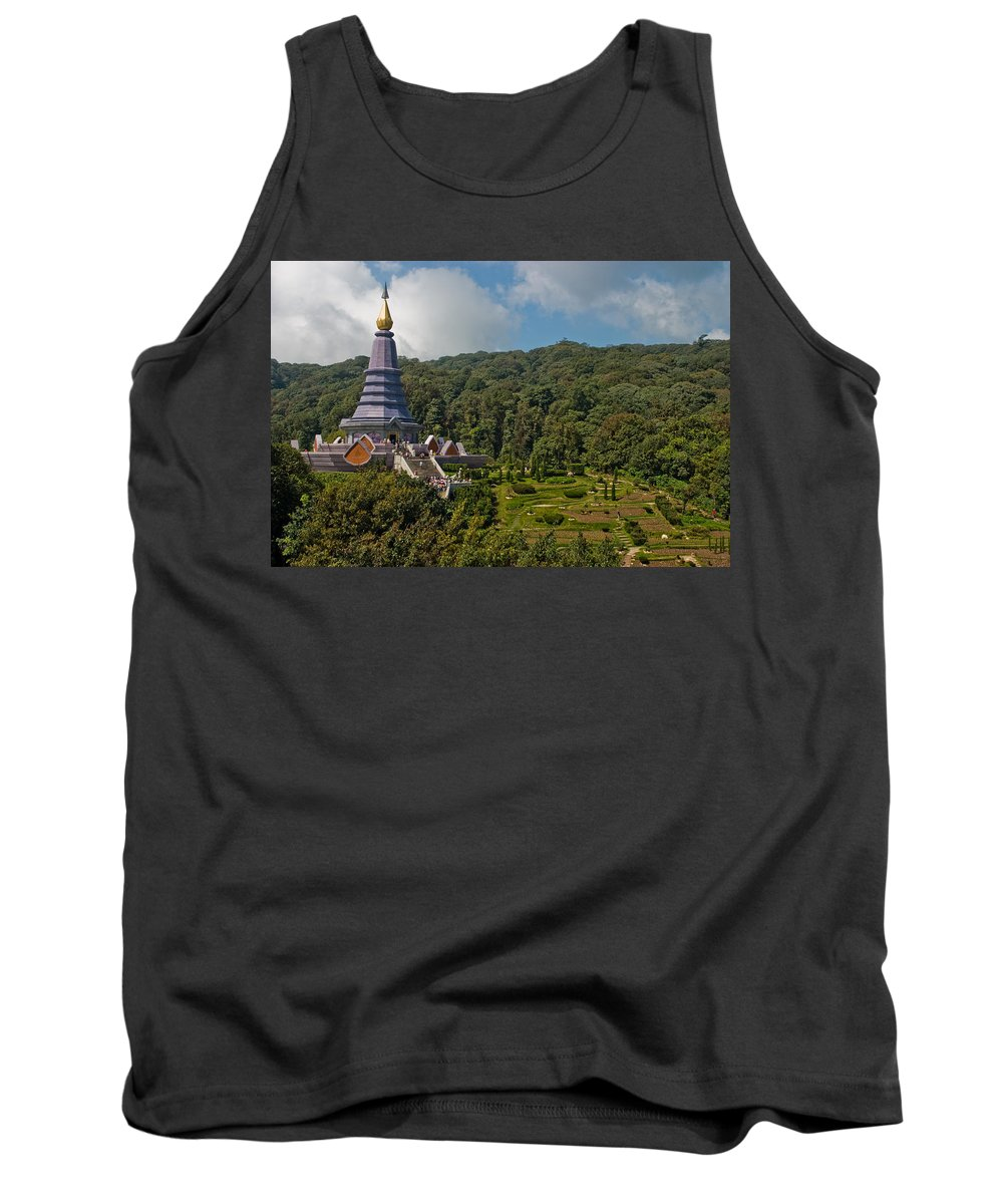 3scape Tank Top featuring the photograph To The King And Queen by Adam Romanowicz