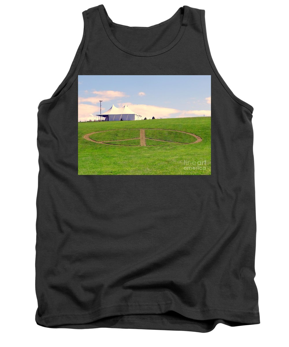 Peace Sign Tank Top featuring the photograph Woodstock Hill Of Peace by Ed Weidman