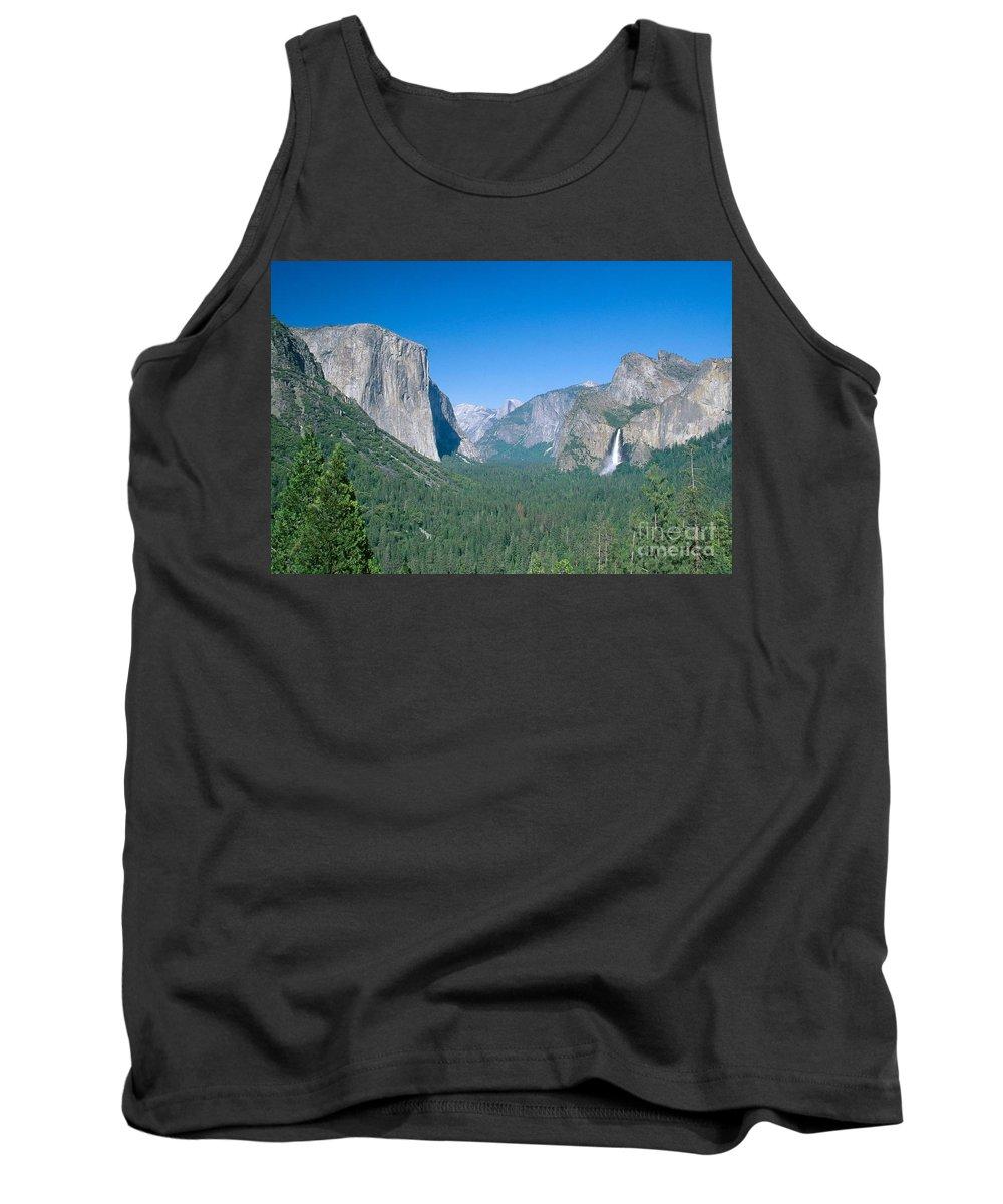 El Capitan Tank Top featuring the photograph Yosemite Valley by David Davis