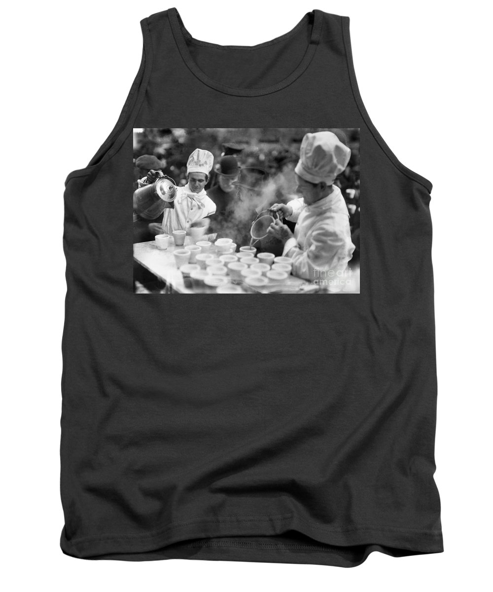 1915 Tank Top featuring the photograph New York: Bread Line, 1915 by Granger