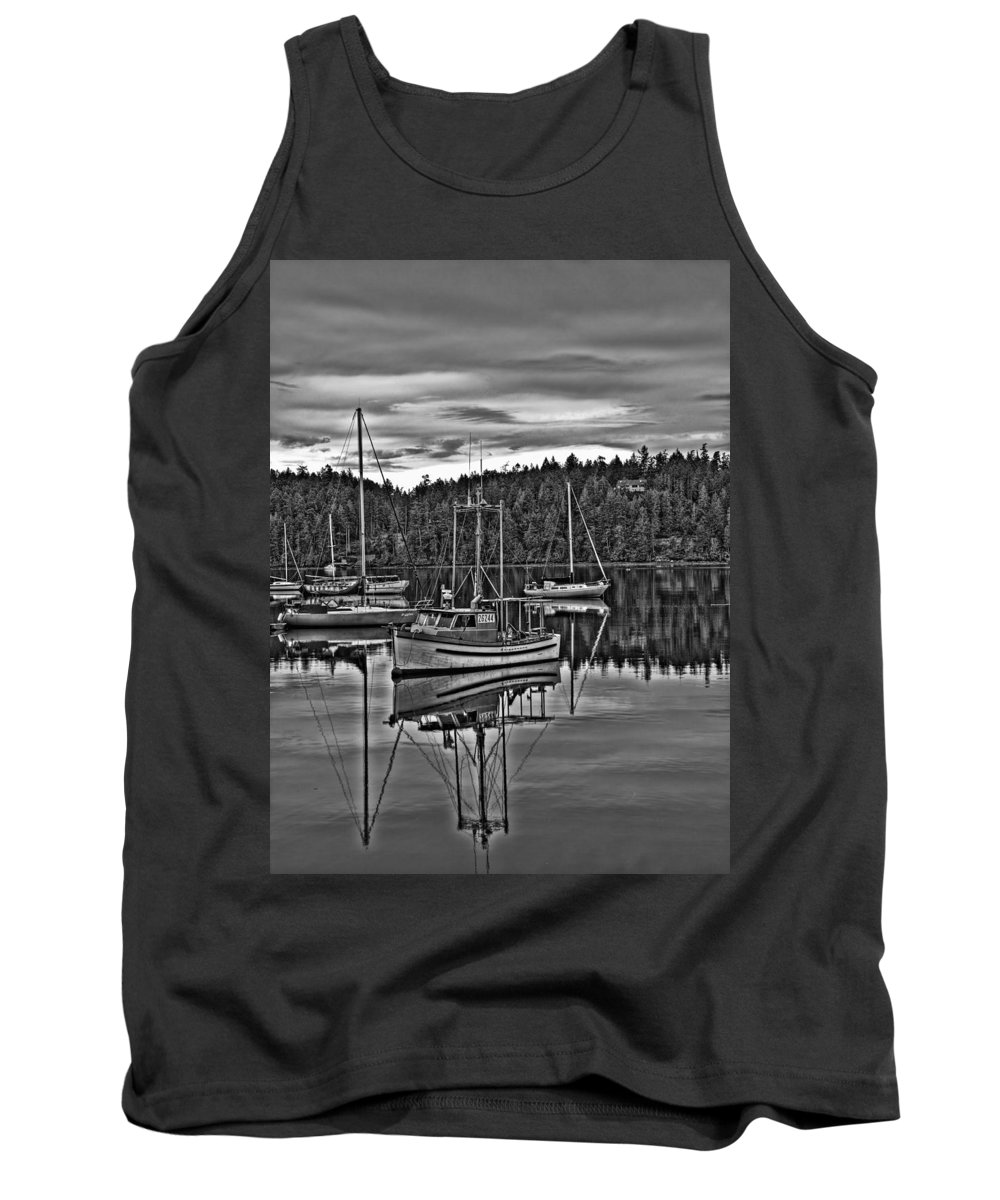 Sailboat Tank Top featuring the photograph Boating Reflections Mono by Derek Holzapfel