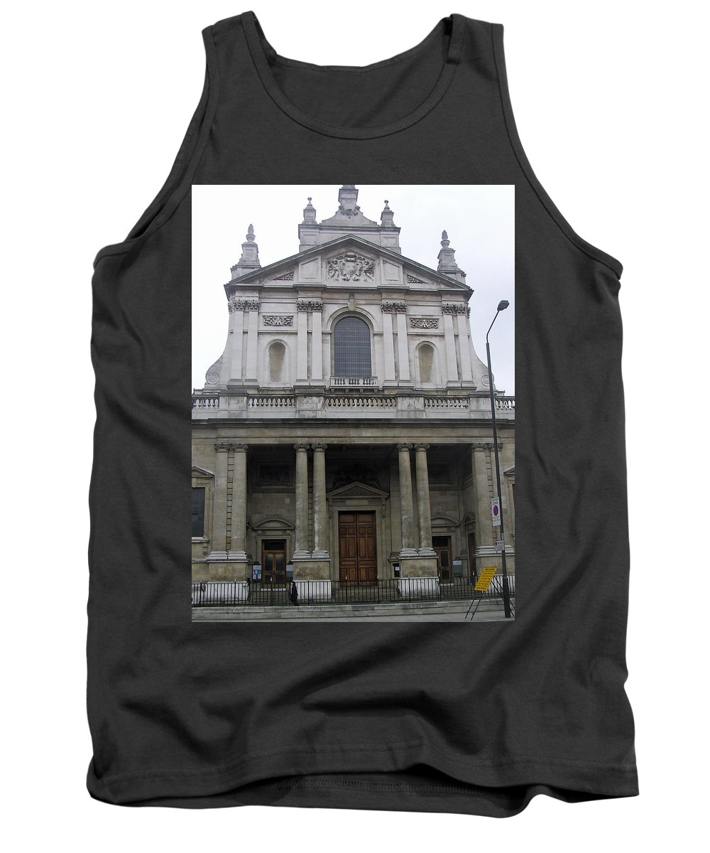 Building Tank Top featuring the photograph Close Up Of A Classical Architecture Of A Building In London by Ashish Agarwal