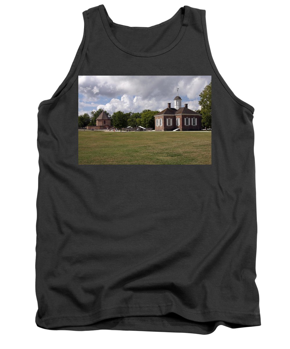 Courthouse Tank Top featuring the photograph Colonial Williamsburg Scene by Sally Weigand