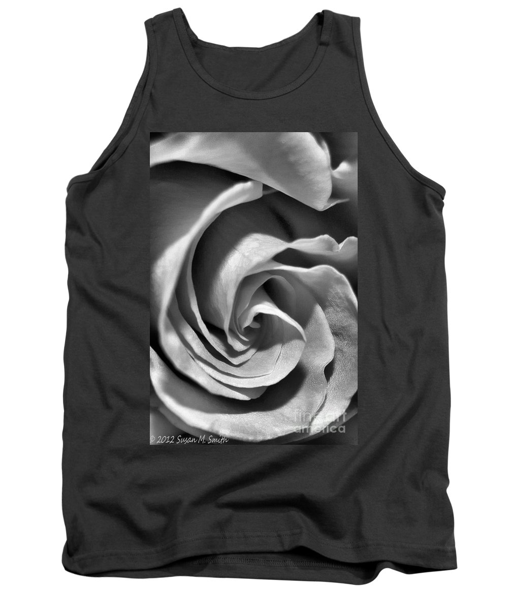 Flower Tank Top featuring the photograph Coming Out by Susan Smith