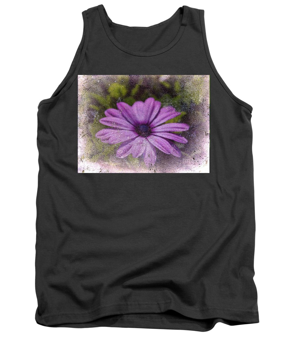 Daisy Tank Top featuring the photograph Light Purple Daisy by Susanne Van Hulst