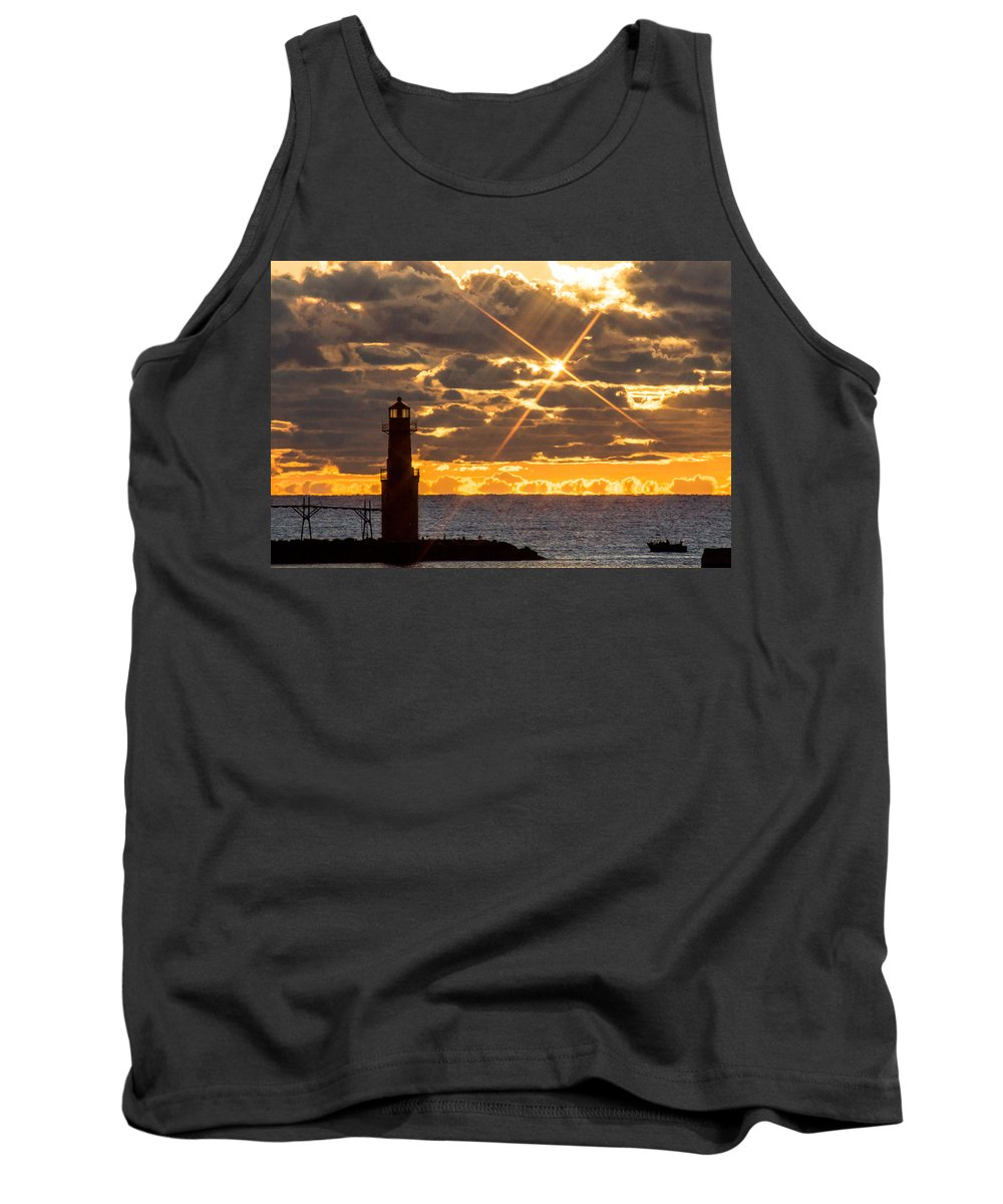 Lighthouse Tank Top featuring the photograph Morning Star by Bill Pevlor
