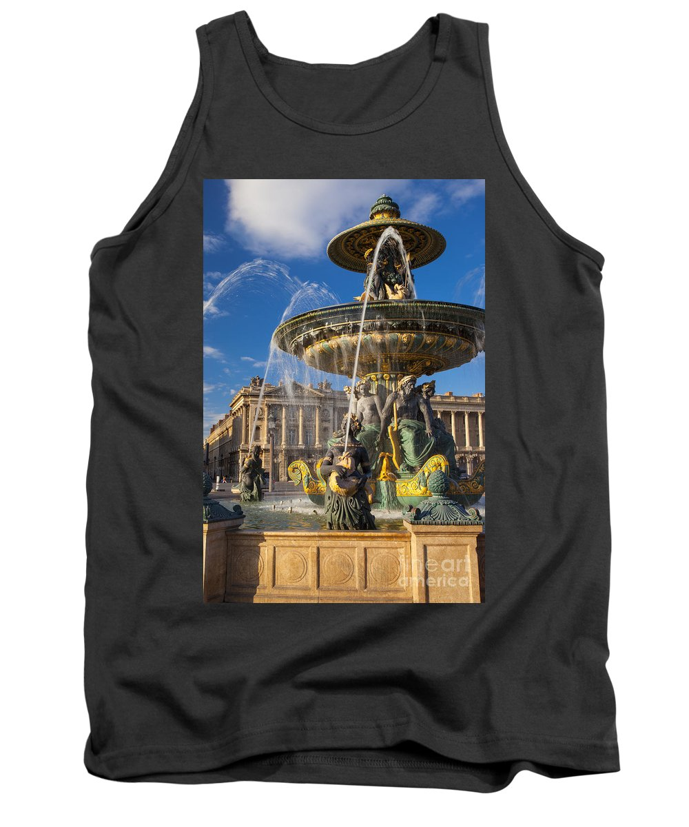 Architectural Tank Top featuring the photograph Place De La Concorde by Brian Jannsen