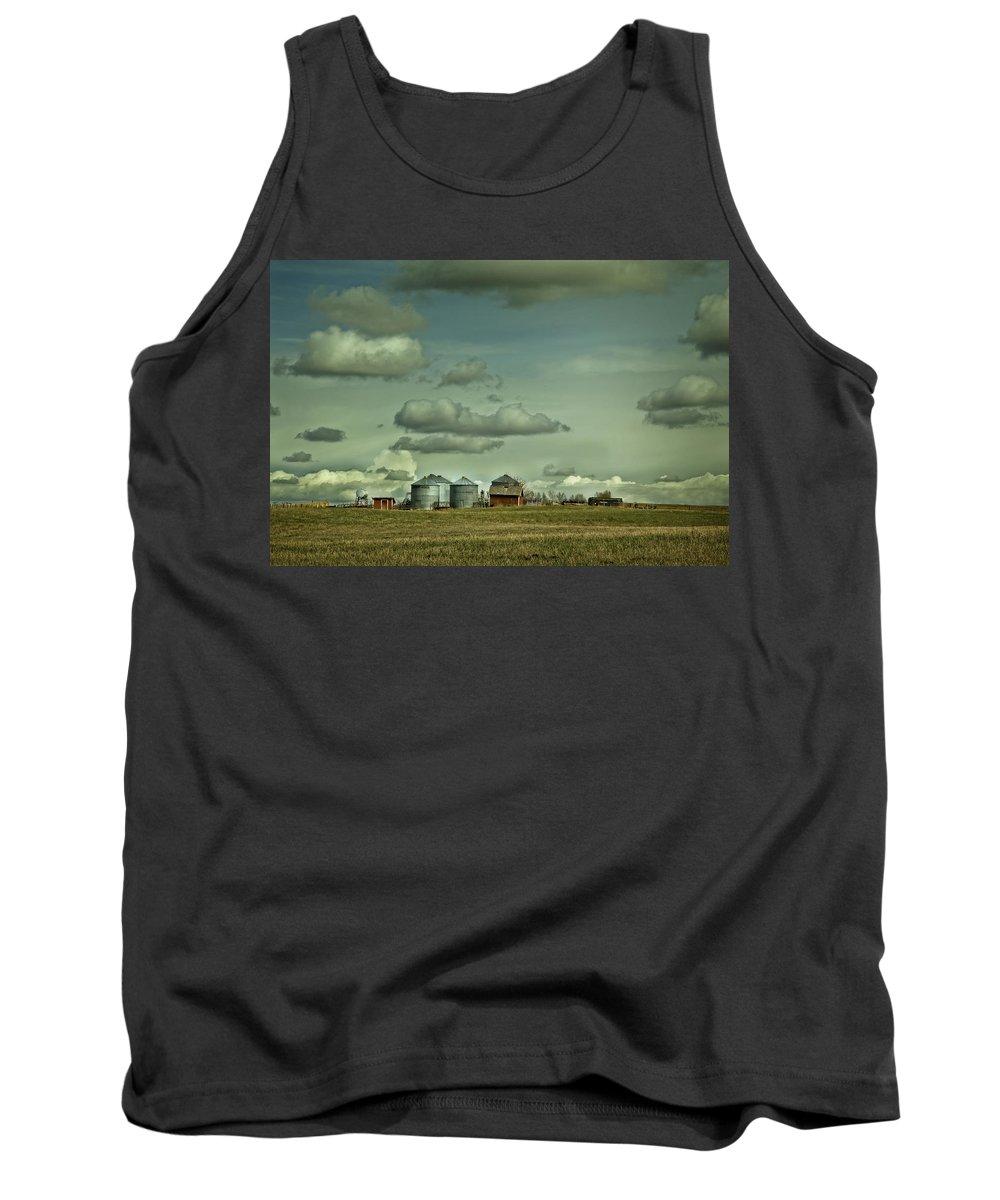 Alberta Tank Top featuring the digital art Prairie Life Style by Diane Dugas