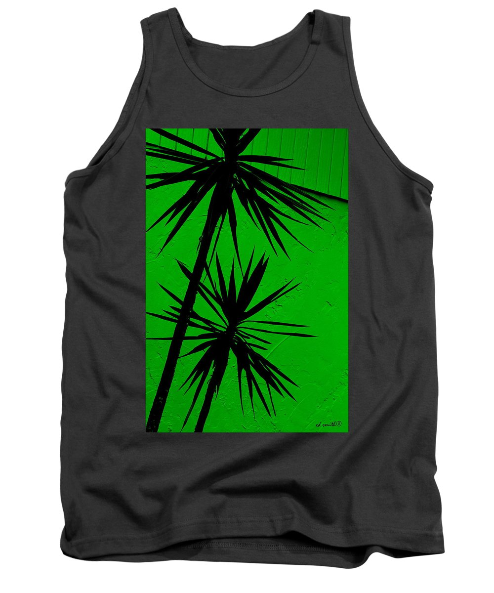 Tropical Splash Tank Top featuring the photograph Tropical Splash by Ed Smith