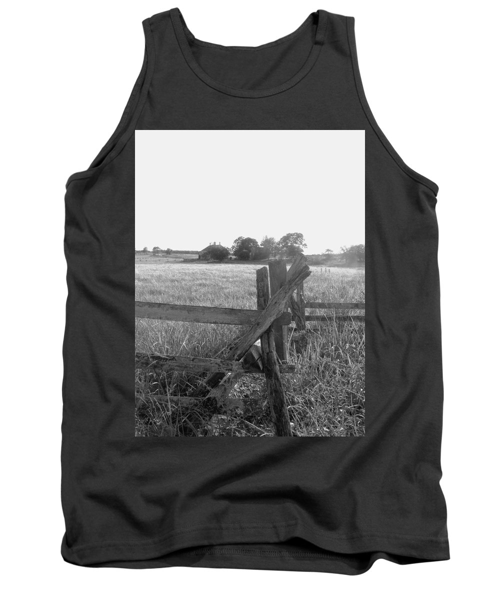 Gettysburg Tank Top featuring the painting Gettysburg Landscape by Eric Schiabor