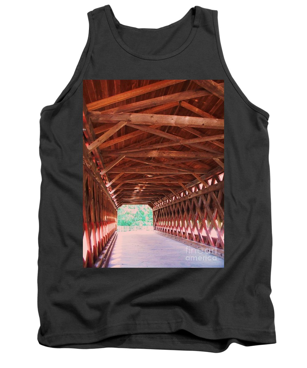 Gettysburg Tank Top featuring the painting Sachs Bridge by Eric Schiabor