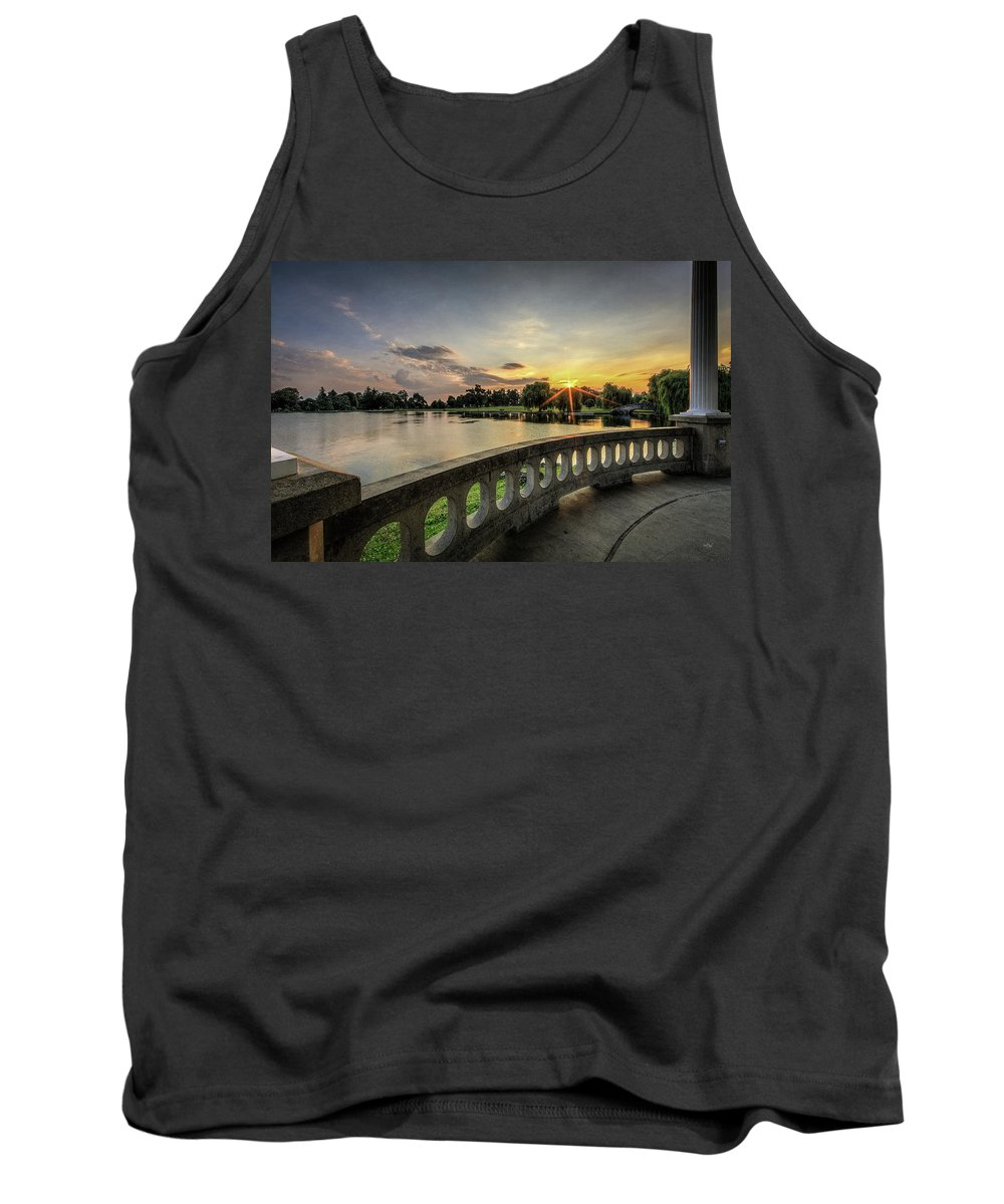 Hiawatha Tank Top featuring the photograph Sunrise In The Park by Everet Regal