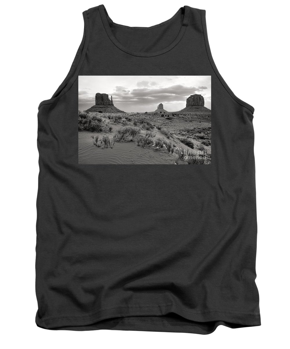 Arizona Tank Top featuring the photograph Valley View by Jim Garrison