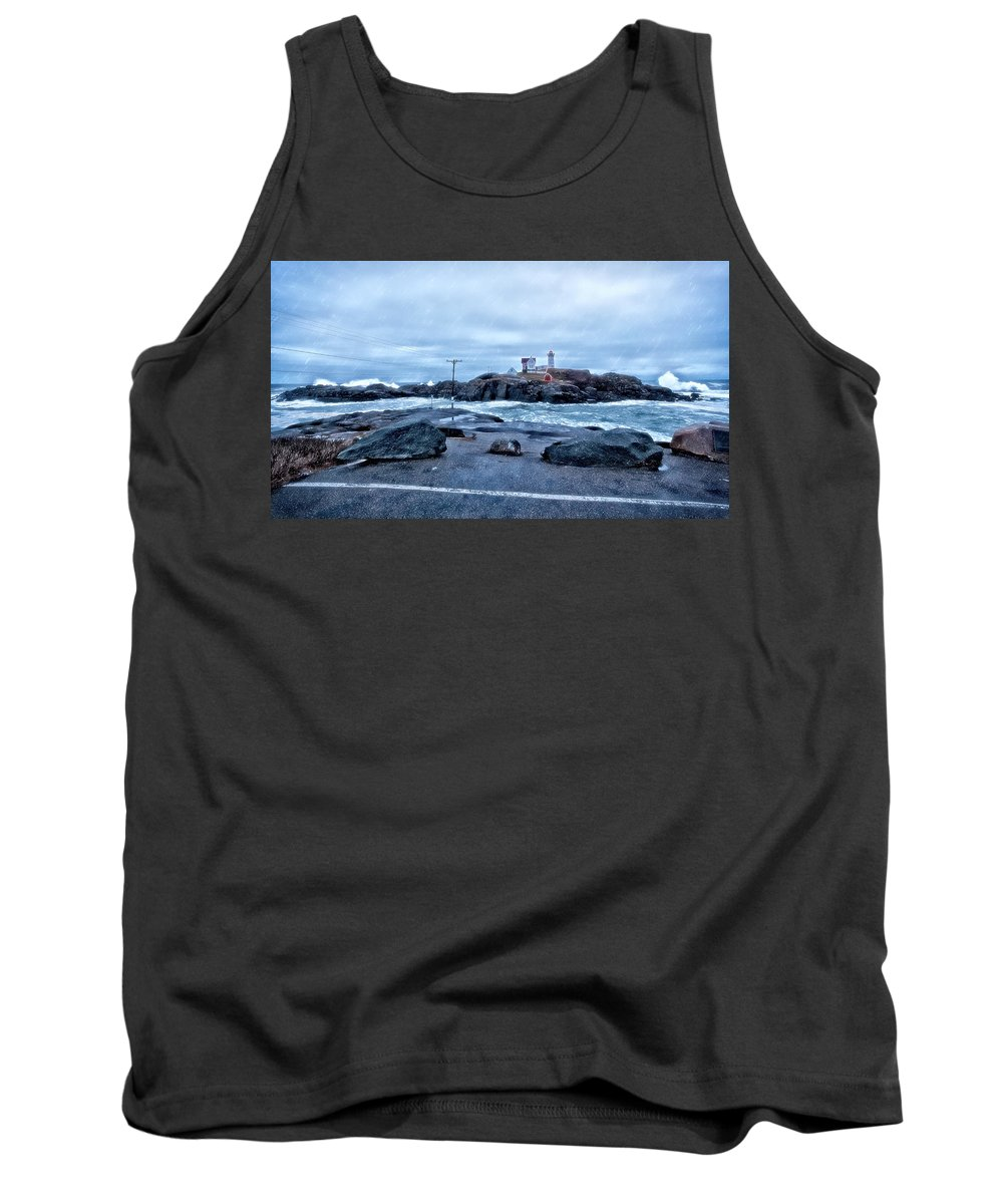 York Maine Tank Top featuring the photograph Nubble Light Lighthouse by Larry Richardson