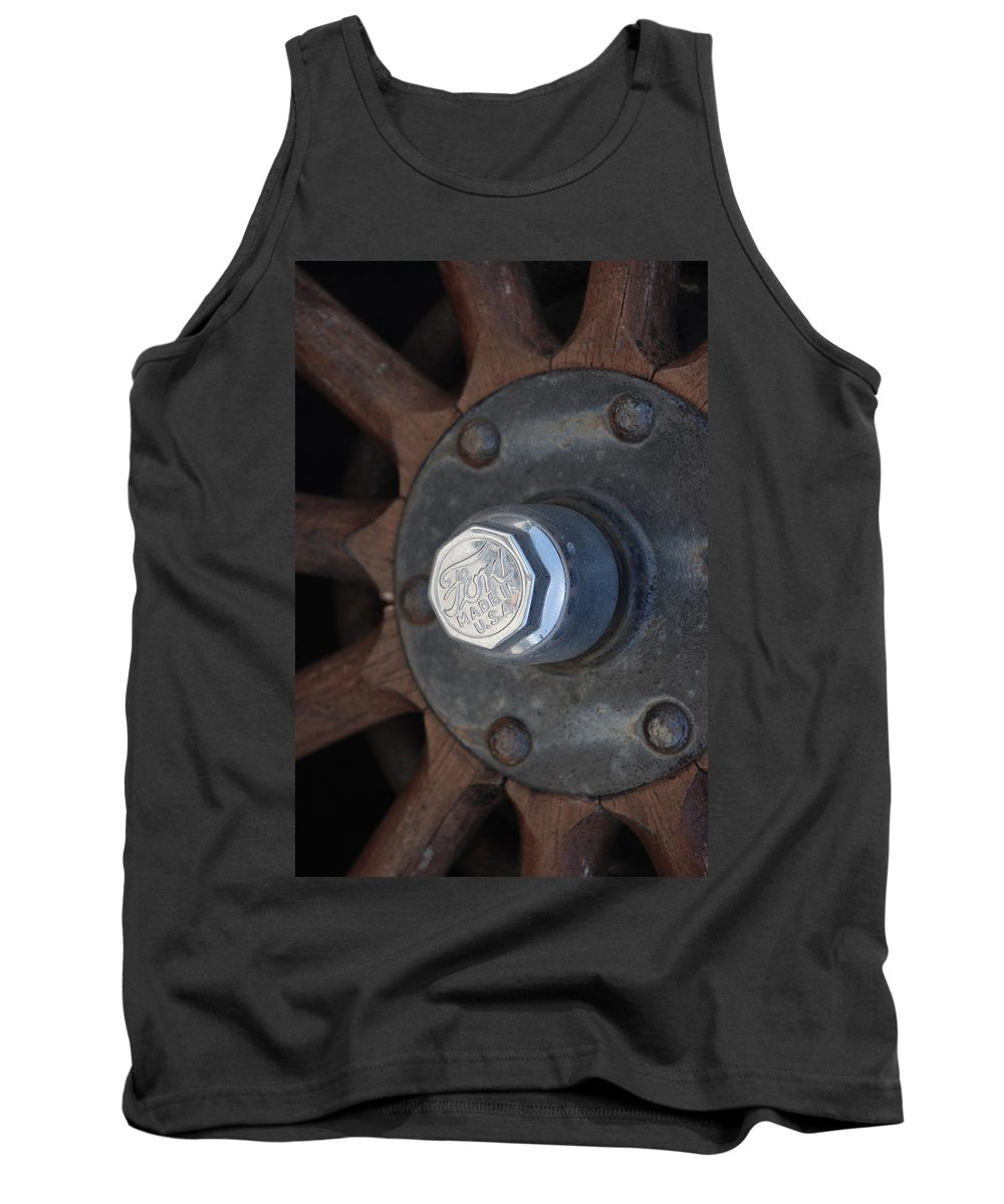 Hup Caps Tank Top featuring the photograph 1926 Model T Ford by Rob Hans