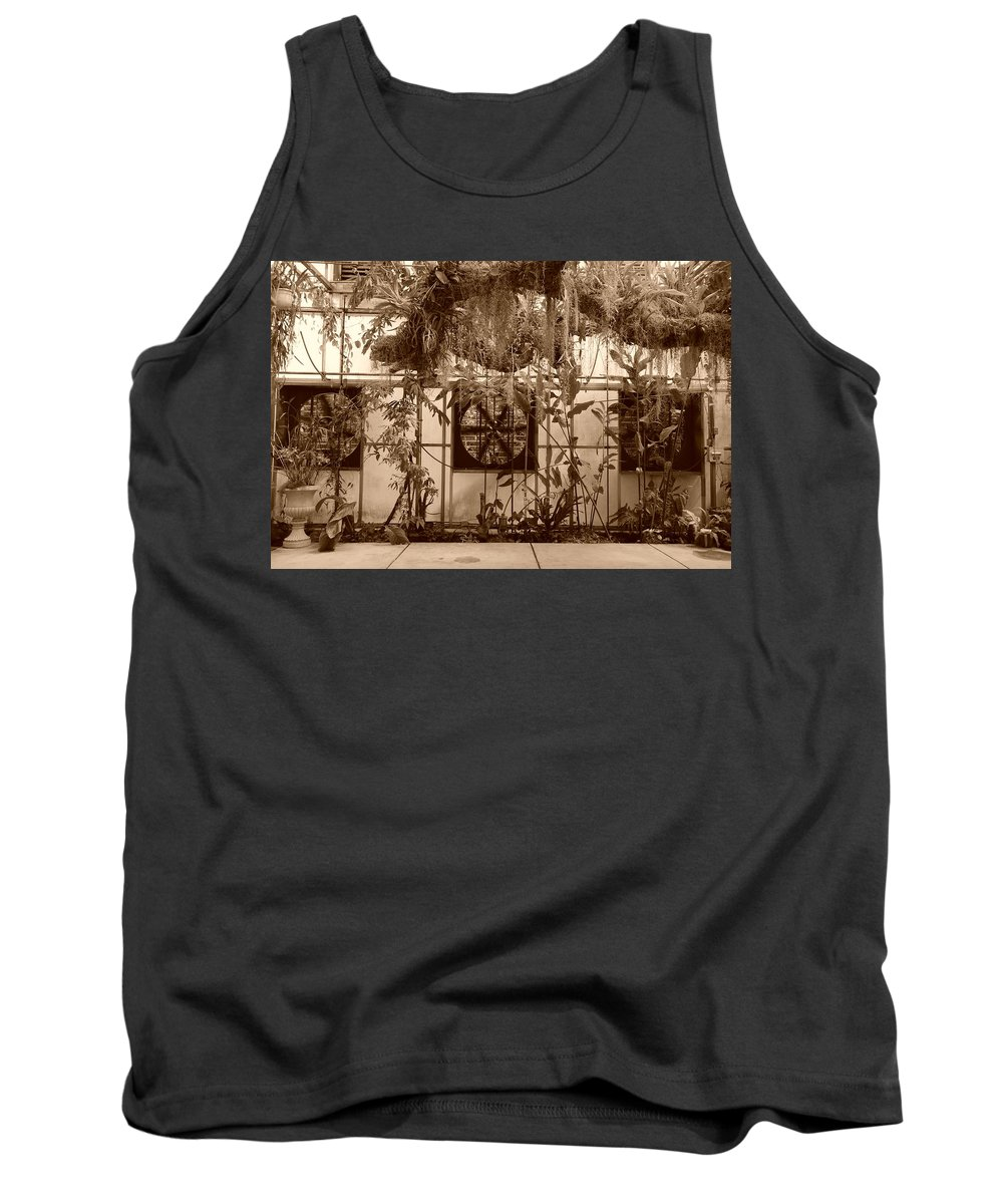 Vent Tank Top featuring the photograph 3 Fans And Vines by Rob Hans