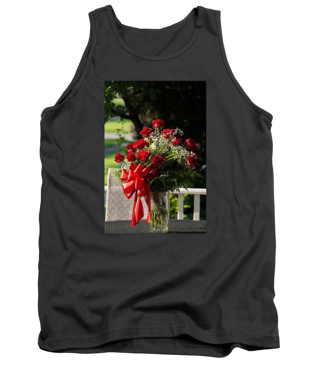 Red Roses Plant Flower Long Stemmed Bouquets Love Dozen Outside Ribbon Table Tank Top featuring the photograph A Dozen For My Love by Dave Knowlton