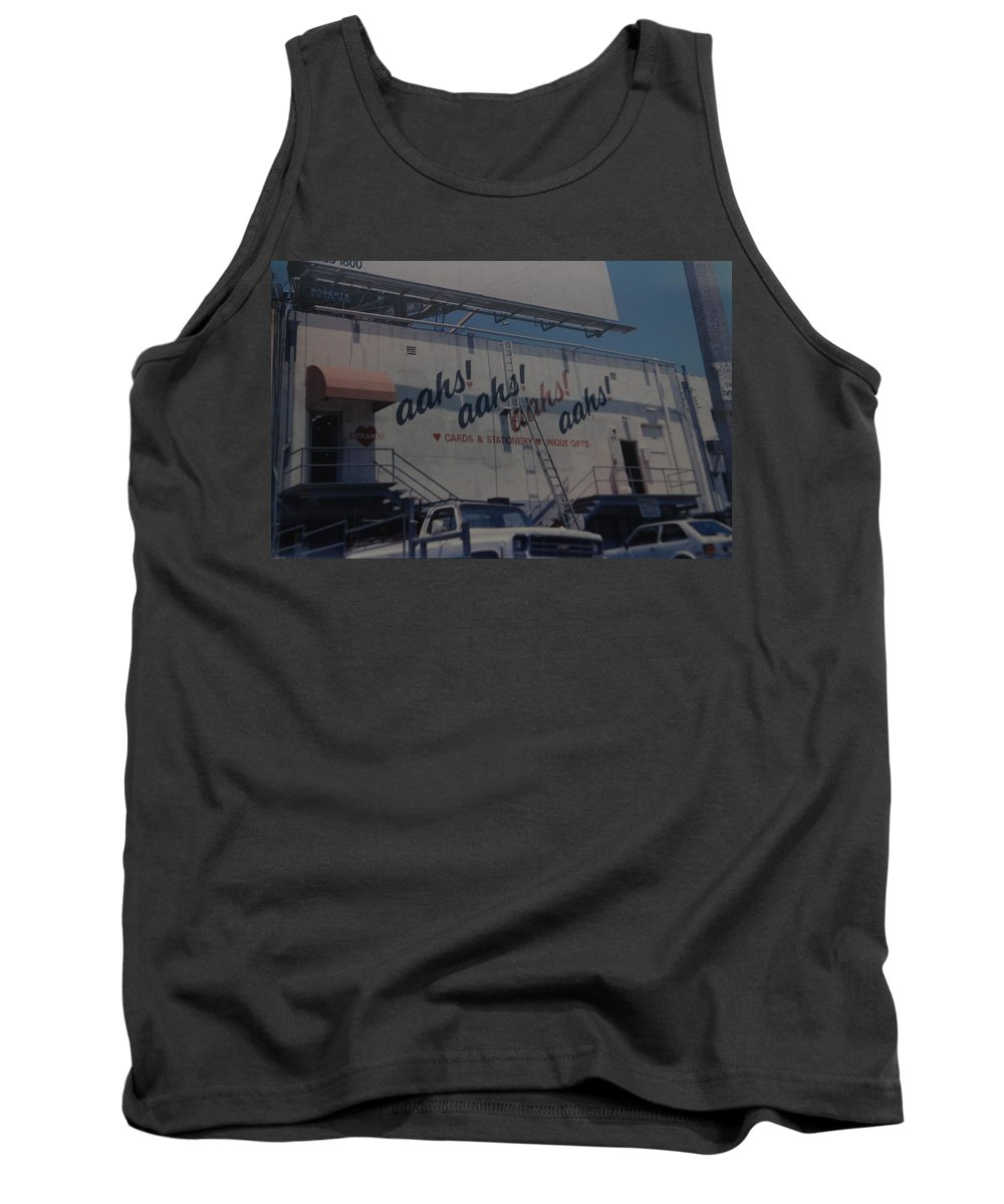 Architecture Tank Top featuring the photograph Aahs by Rob Hans