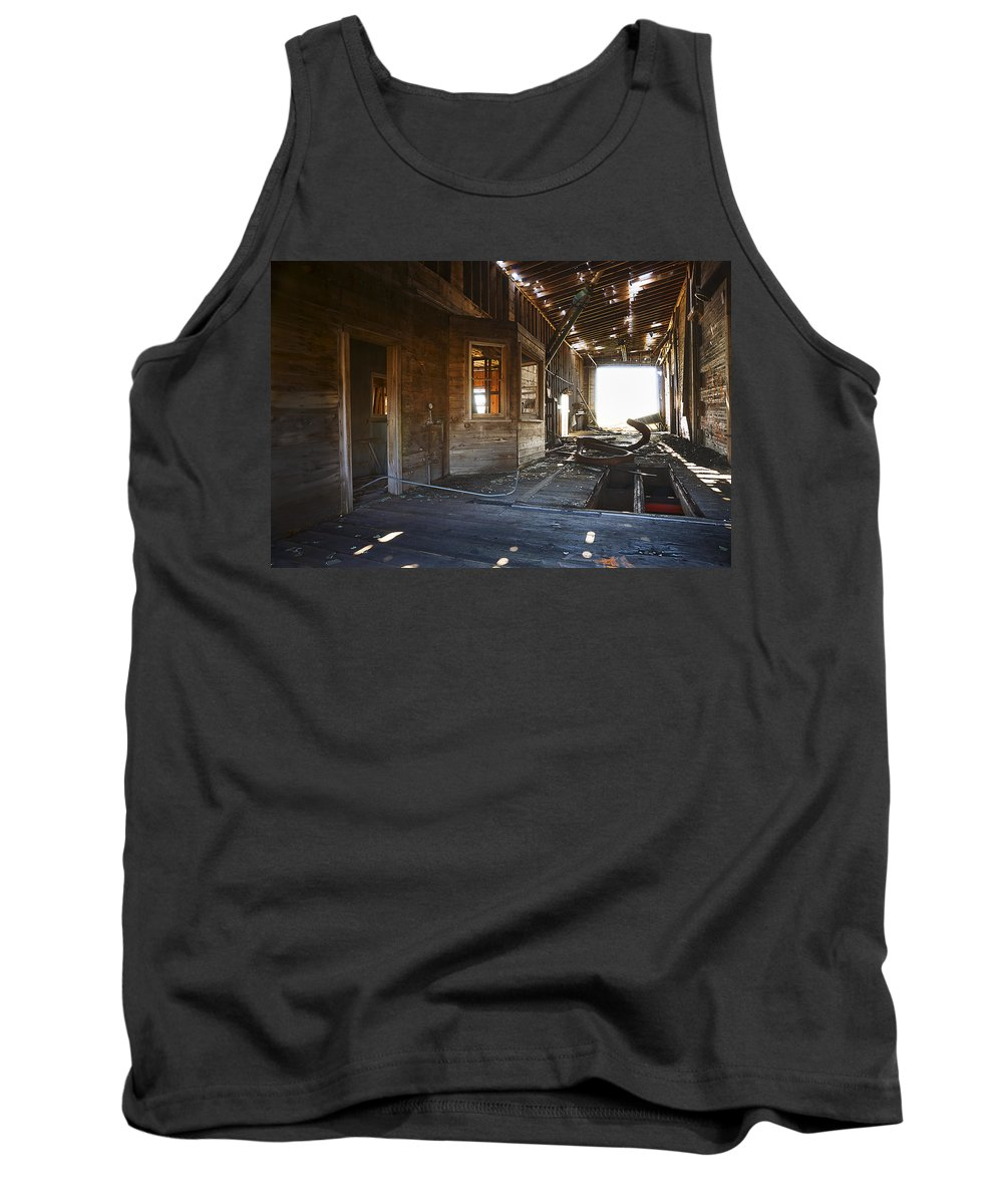 Grain Elevator Tank Top featuring the photograph Abandoned Grain Elevator Drive Through by Donald Erickson