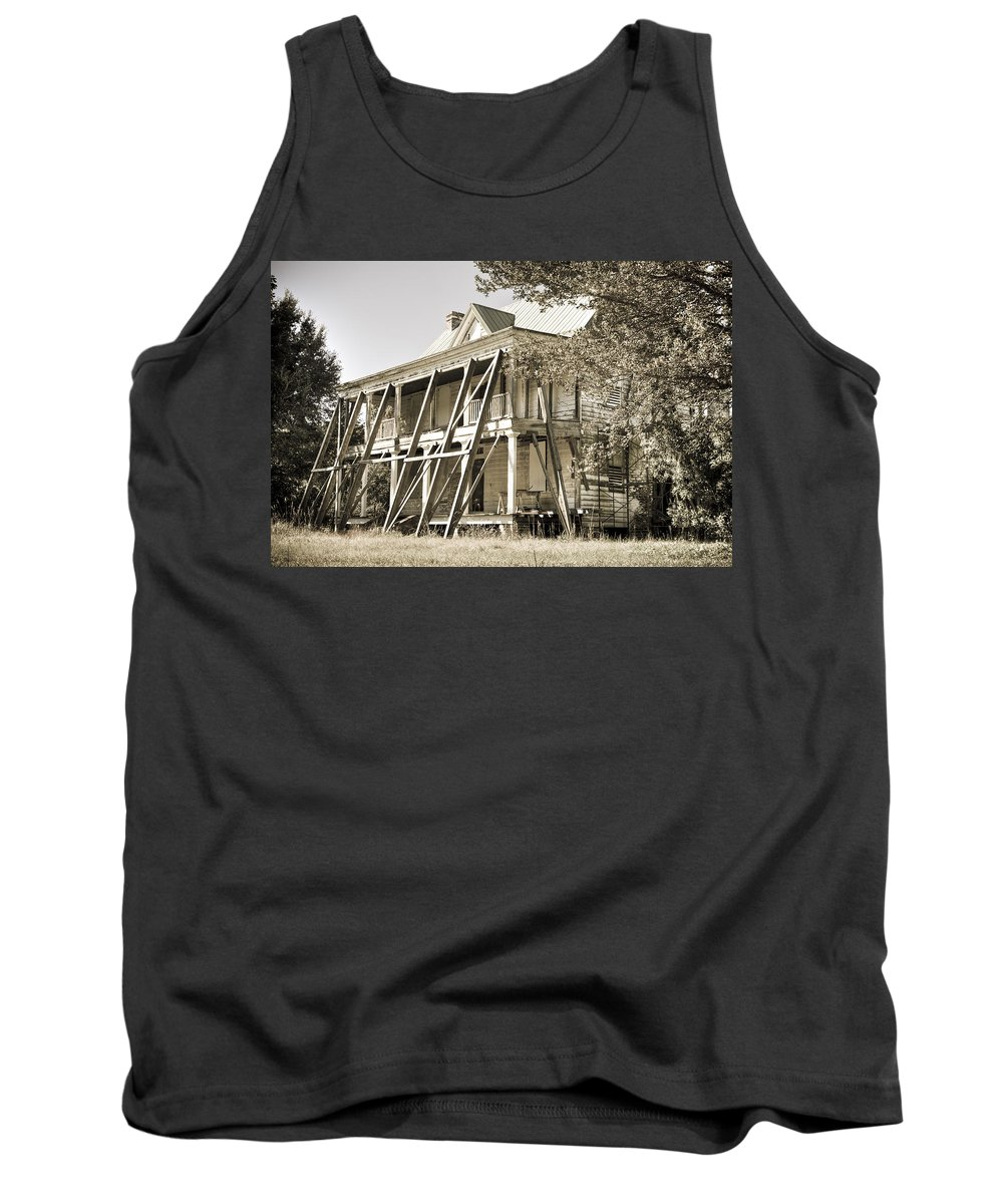 South Tank Top featuring the photograph Abandoned Plantation House #3 by Andrew Crispi