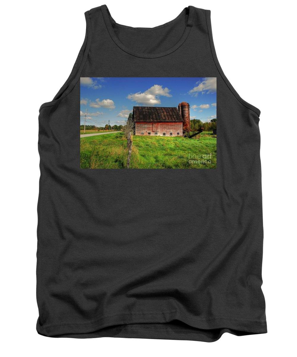 Barn Tank Top featuring the photograph Ashtabula County Barn by Tony Bazidlo