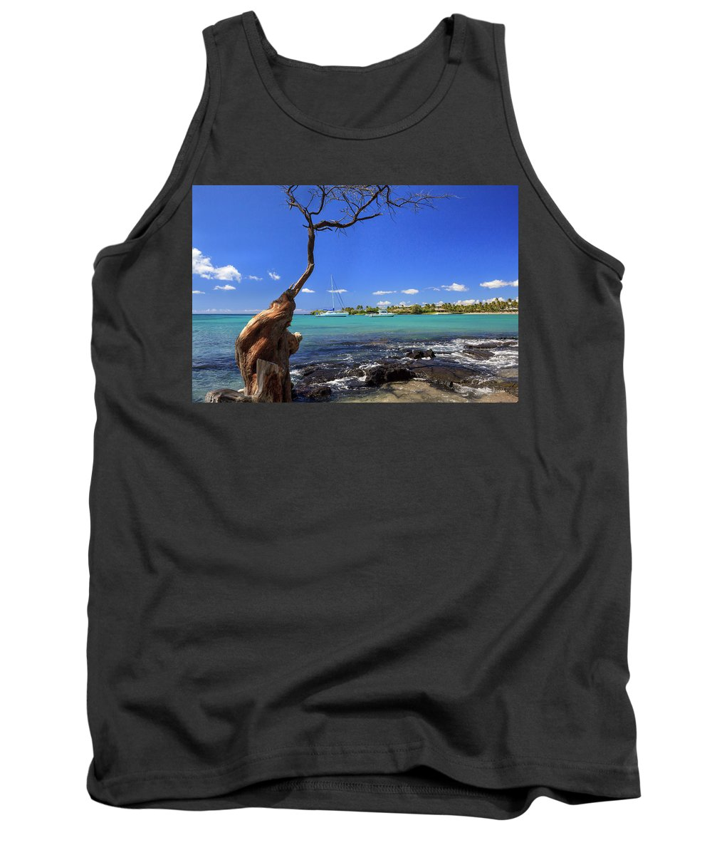Anaehoomalu Bay Tank Top featuring the photograph Boats At Anaehoomalu Bay by James Eddy