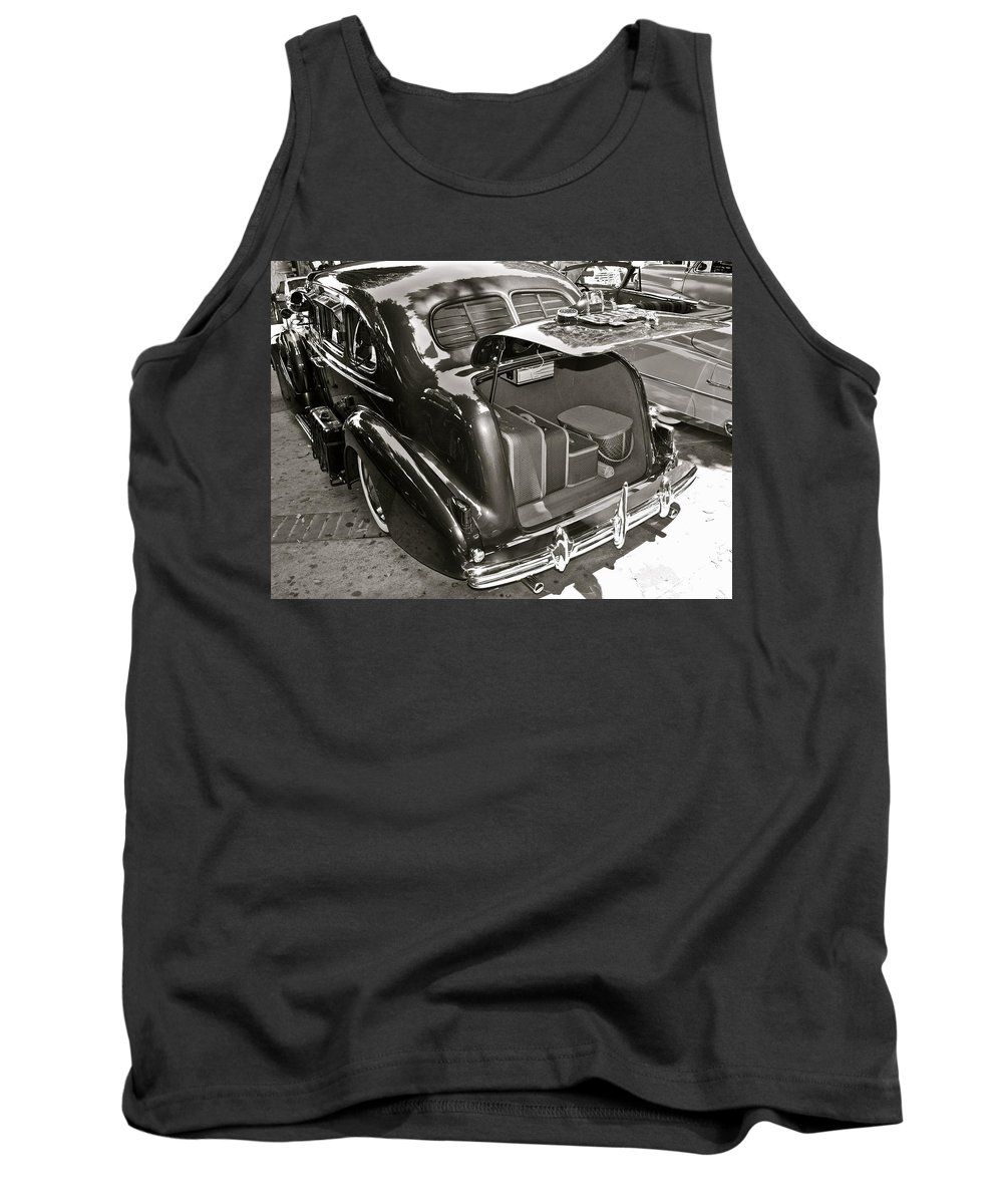 Photograph Tank Top featuring the photograph Buick Road Trip by Gwyn Newcombe
