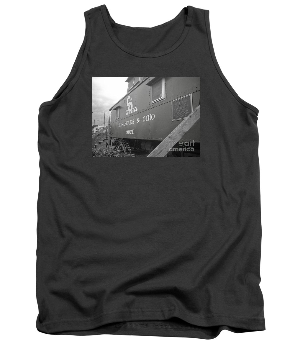 Caboose Tank Top featuring the photograph Chesapeake And Ohio by Dawn Downour
