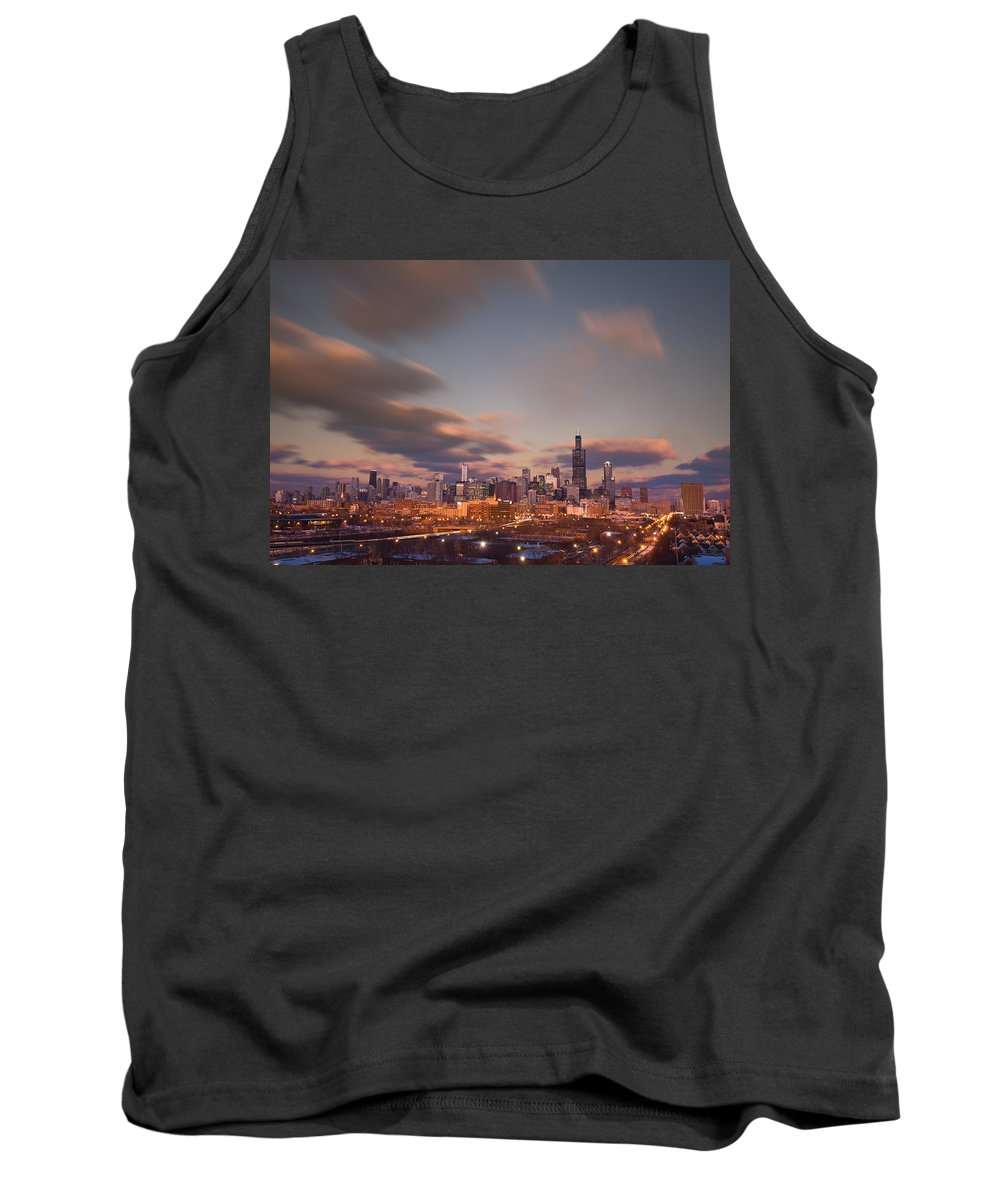 Loop Tank Top featuring the photograph Chicago Dusk by Steve Gadomski