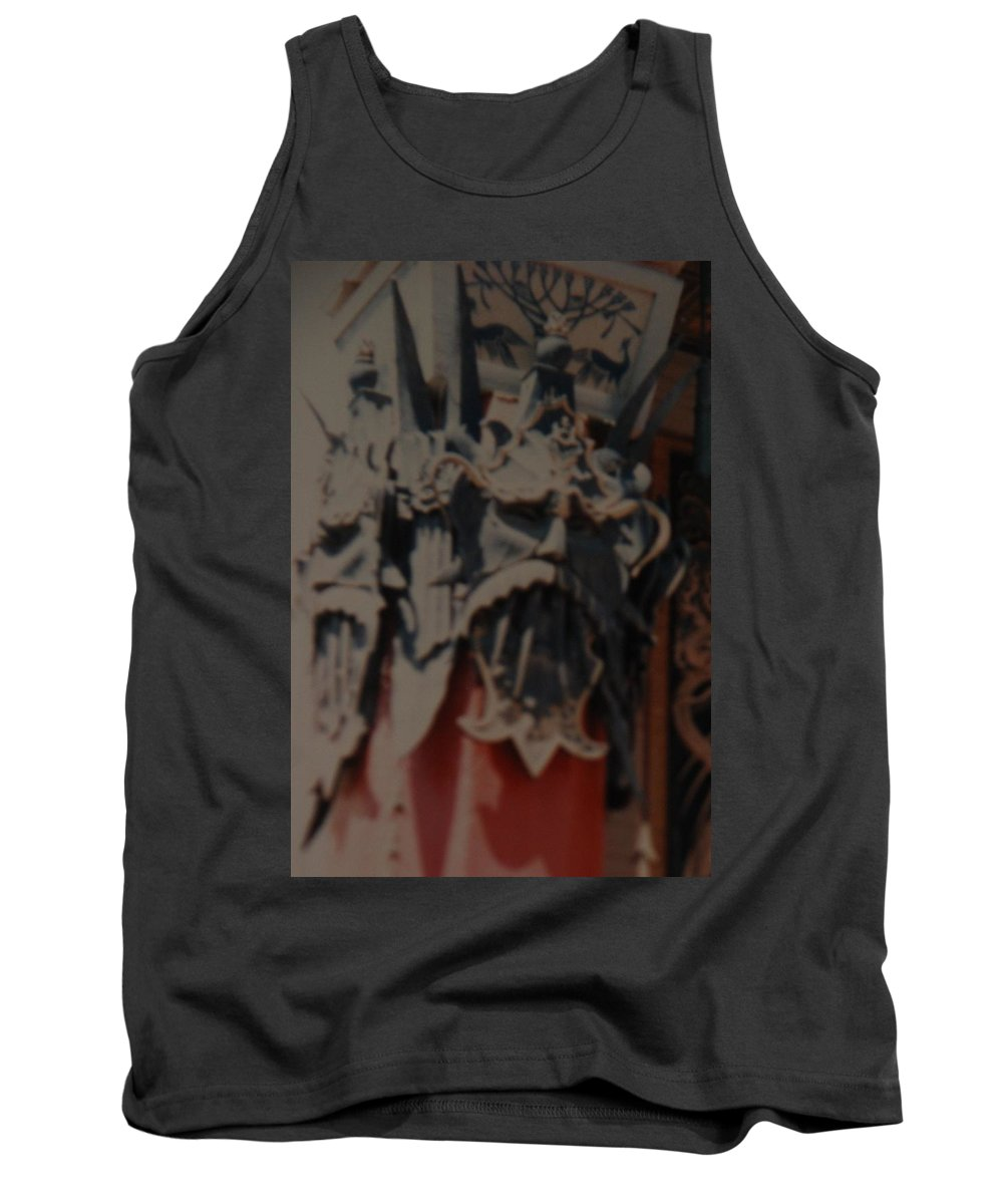 Grumanns Chinese Theater Tank Top featuring the photograph Chinese Masks by Rob Hans