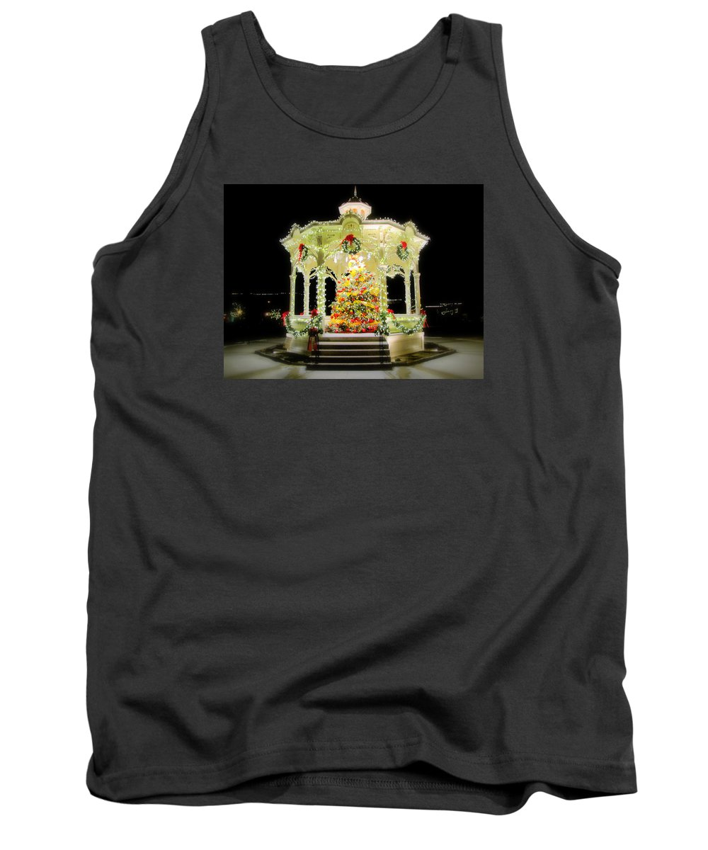 Gazebo Tank Top featuring the painting Christmas On The Square by Scott Heaton