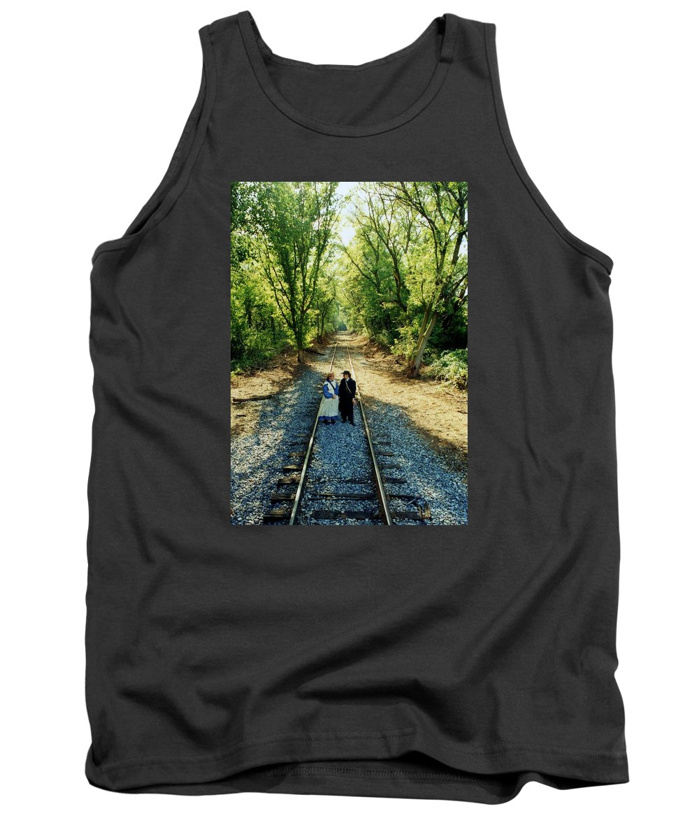 Tank Top featuring the photograph Civil War Couple by Terry Barrett