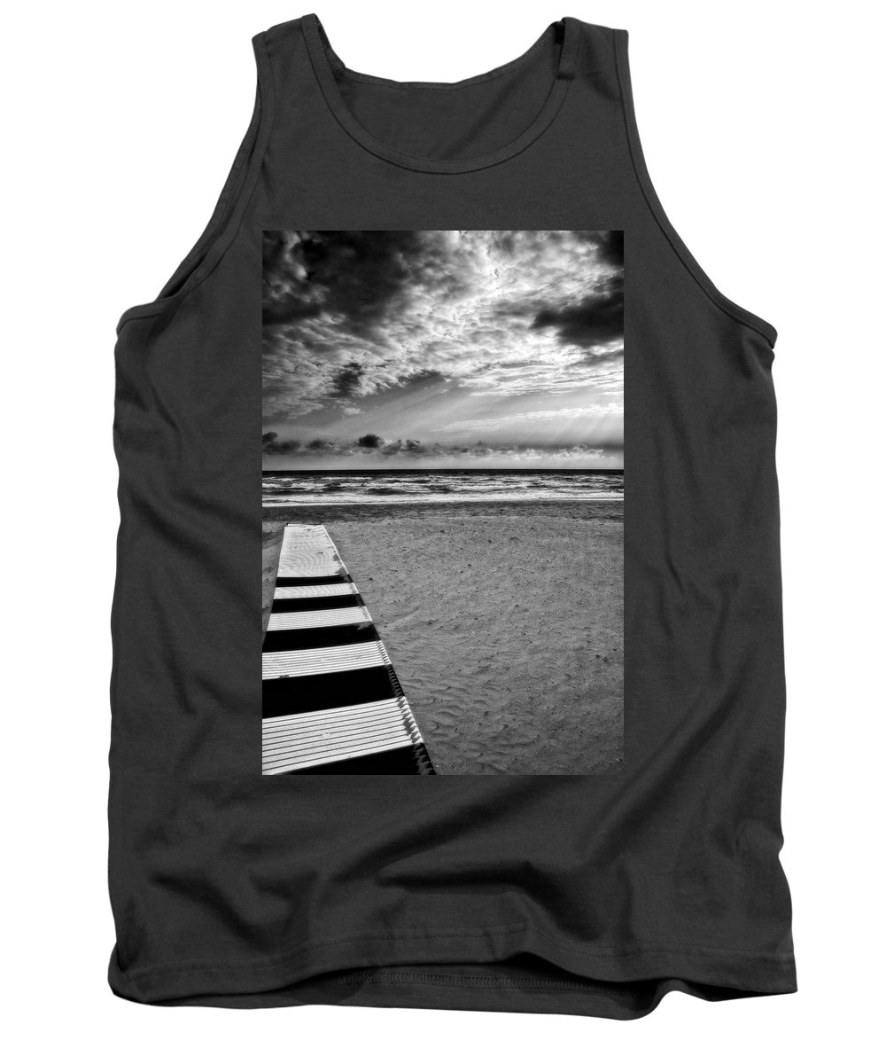 Landscape Tank Top featuring the photograph Evening Tide by Silvia Ganora