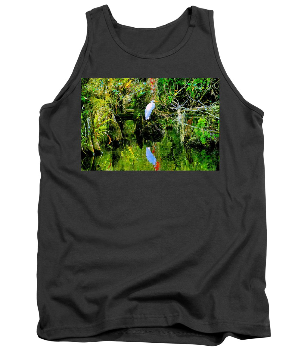 Everglades Tank Top featuring the painting Everglades Egret by David Lee Thompson
