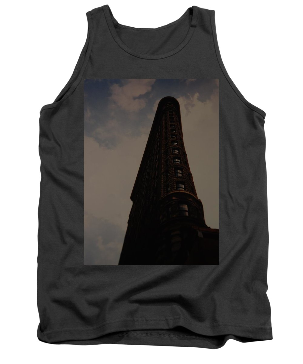 Flat Iron Building Tank Top featuring the photograph Flat Iron Building by Rob Hans
