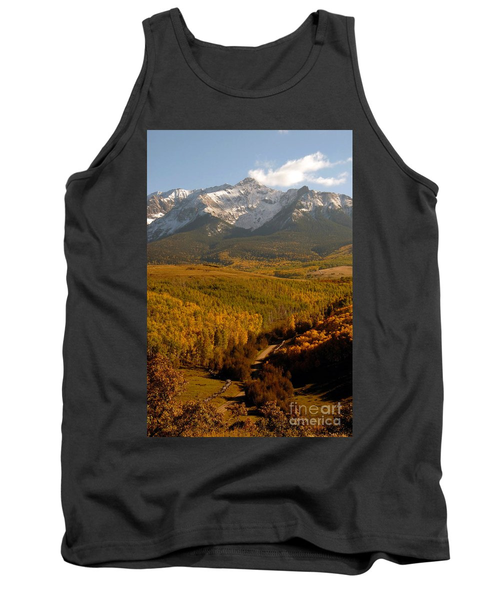 San Juan Mountains Tank Top featuring the photograph Into The Mountains by David Lee Thompson