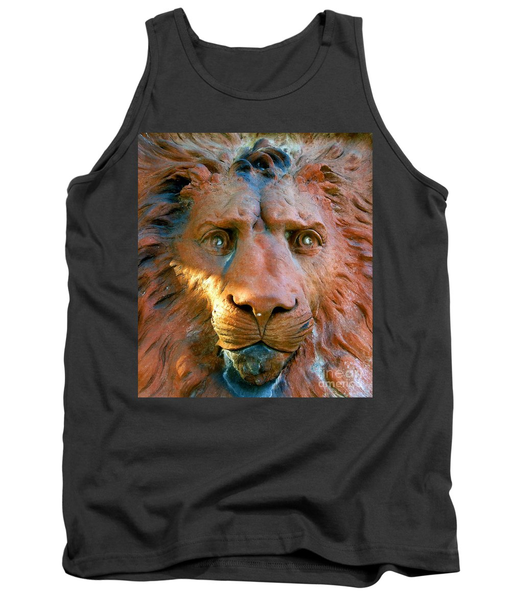 Saint Augustine Florida Tank Top featuring the photograph Lion Of Saint Augustine by David Lee Thompson