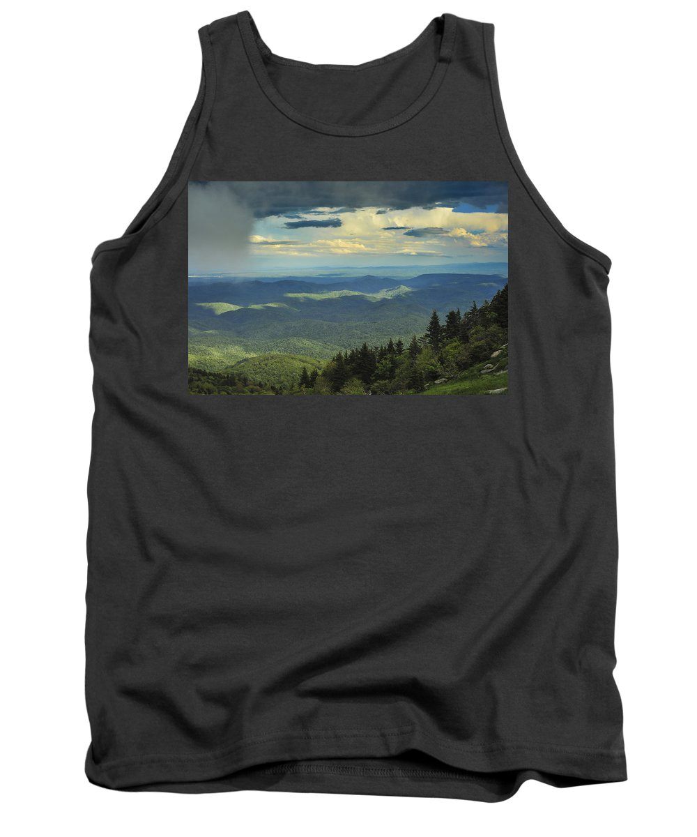Grandfather Mountain Tank Top featuring the photograph Looking Over The Valley by Joye Ardyn Durham