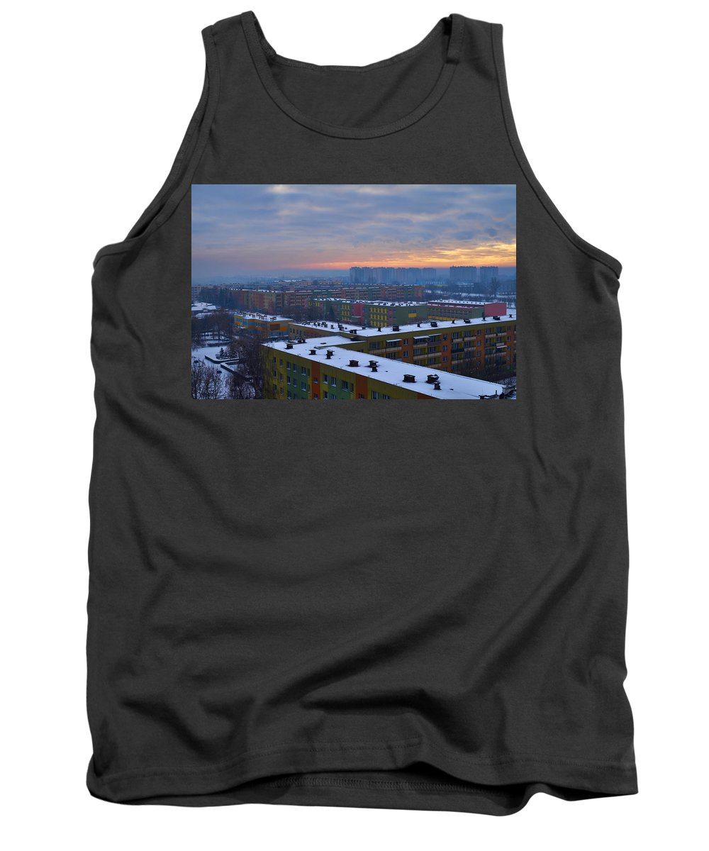 Maze Tank Top featuring the photograph Maze by Tgchan