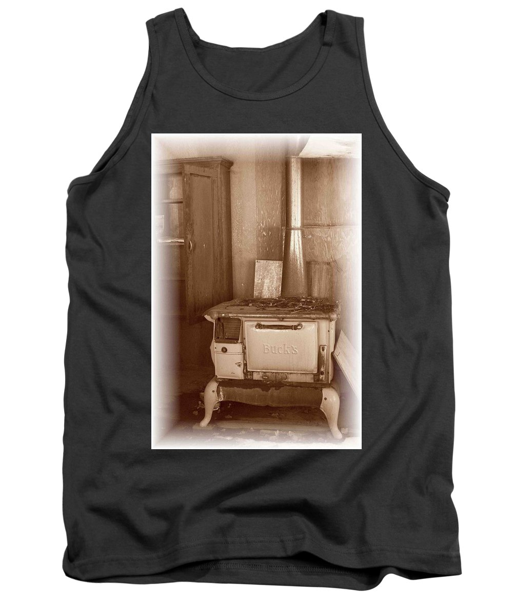 Stove Tank Top featuring the photograph Not Much Cookin - Unionville Nv by Nelson Strong