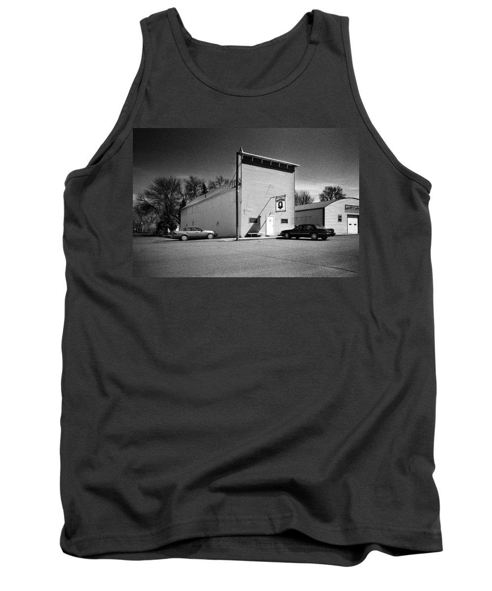 Tavern Tank Top featuring the photograph Old 10 Saloon Buffalo North Dakota by Donald Erickson