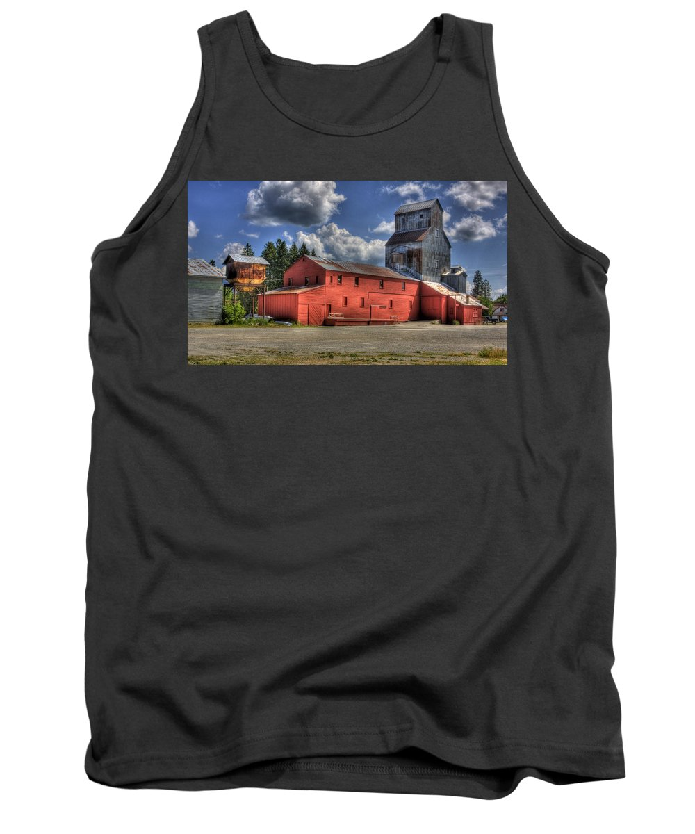 Industrial Landscape Tank Top featuring the photograph Old Grain Elevator Sandpoint by Lee Santa