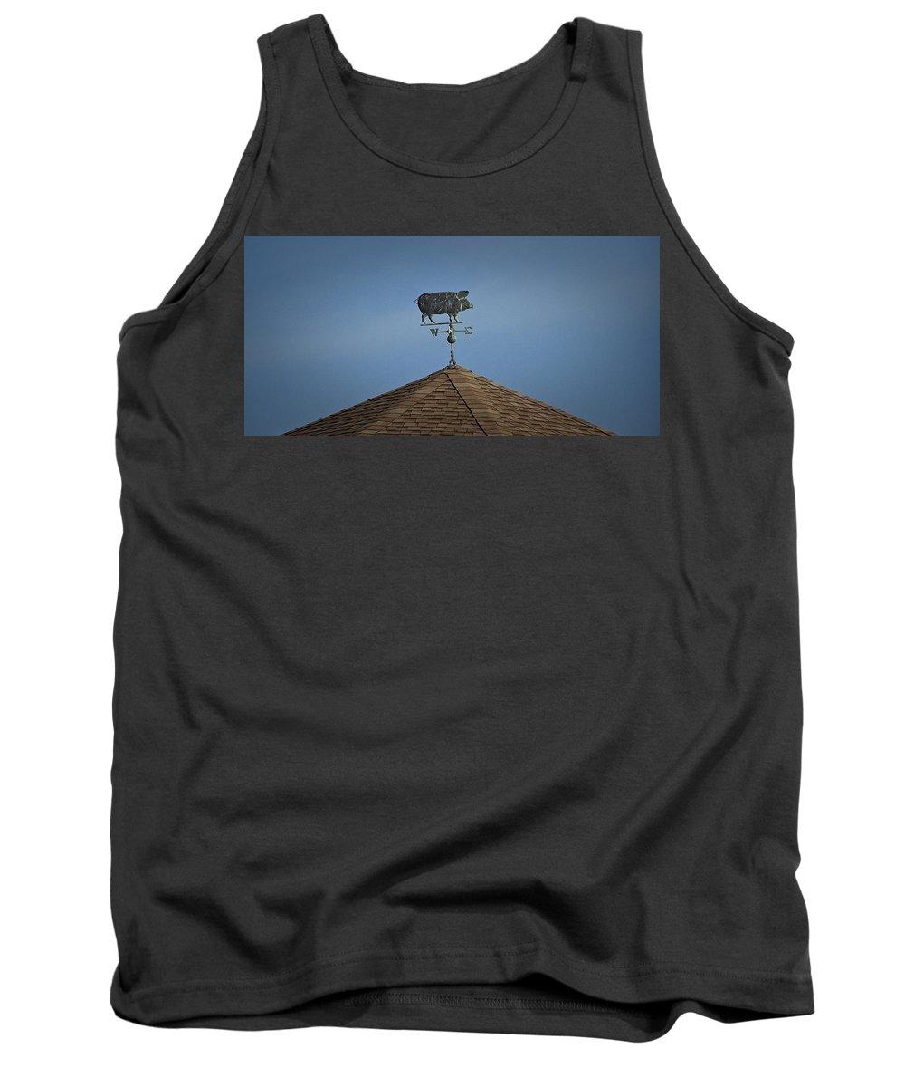 Pig Tank Top featuring the photograph Pig Weathervane Ocean Isle North Carolina by Teresa Mucha