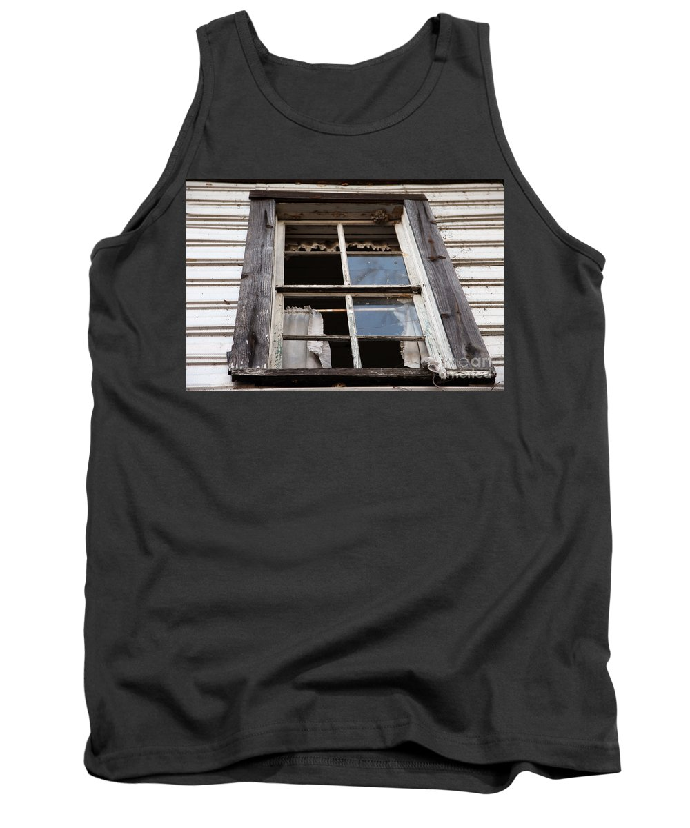 Rapunzel's Decay Tank Top featuring the photograph Rapunzel's Decay by Amanda Barcon