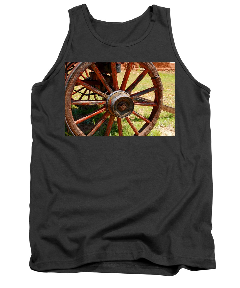 Wagon Tank Top featuring the photograph Red Wheels by David Lee Thompson