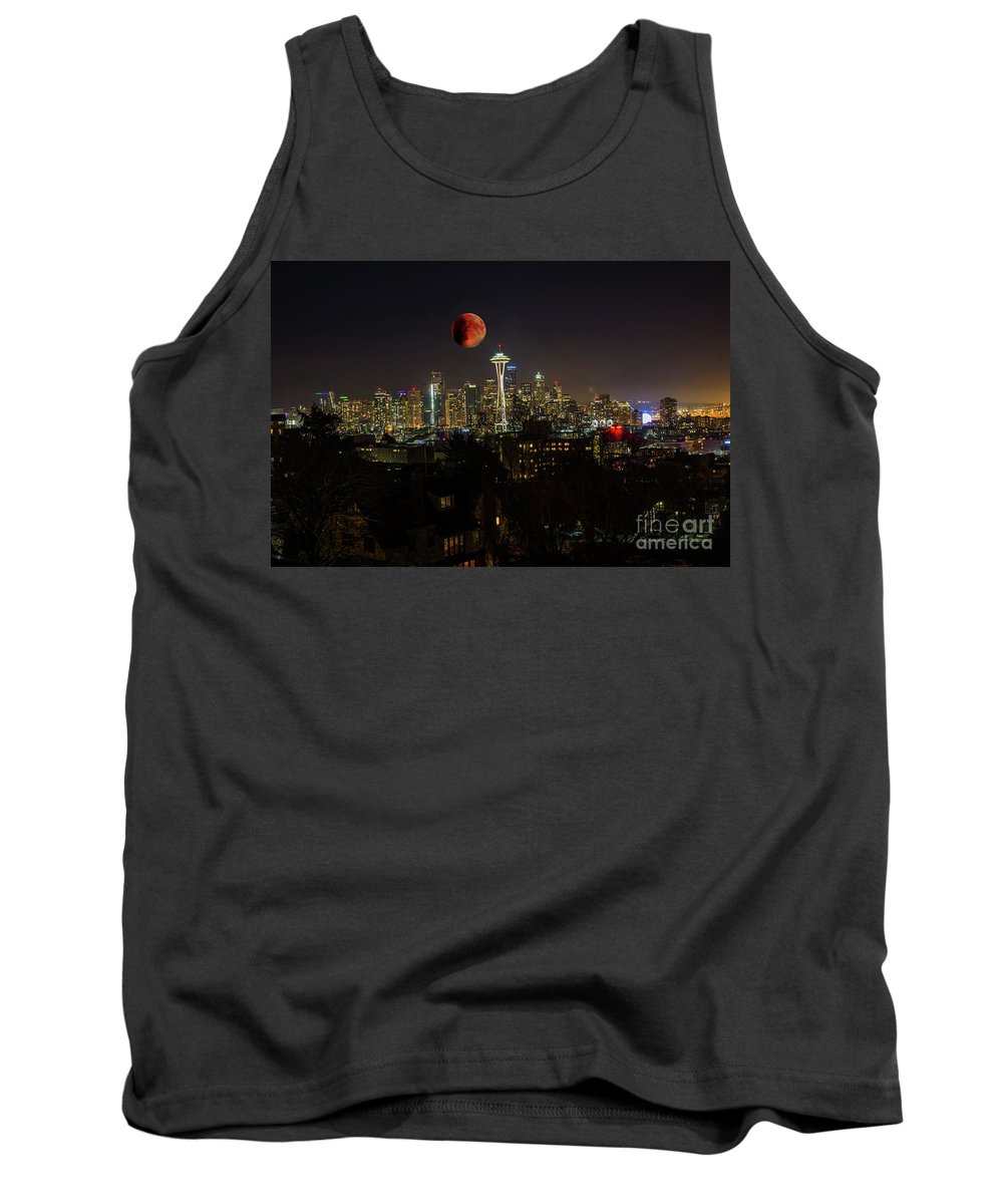 Blood Moon Tank Top featuring the photograph Seattle by Jim Hatch