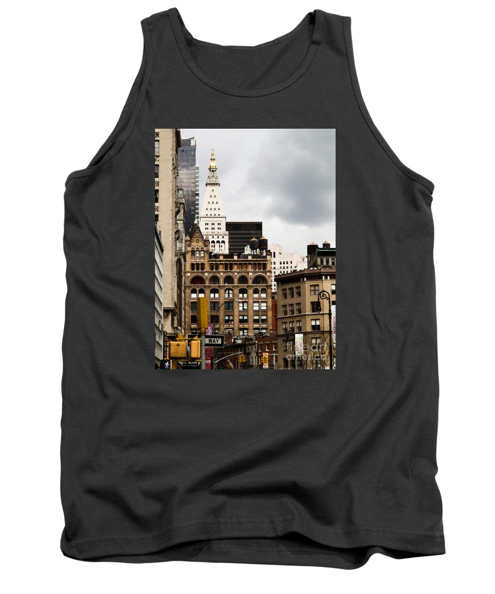 New York City Tank Top featuring the photograph Sohmer Piano Building And Flatiron District by Dorothy Lee